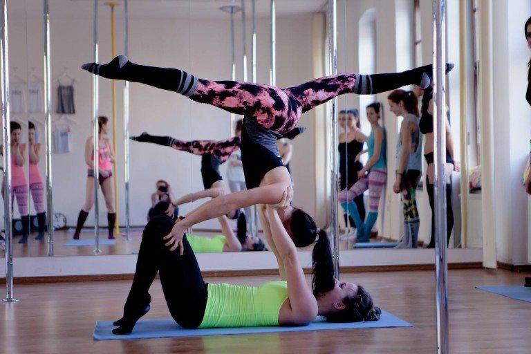 handstand--768x512