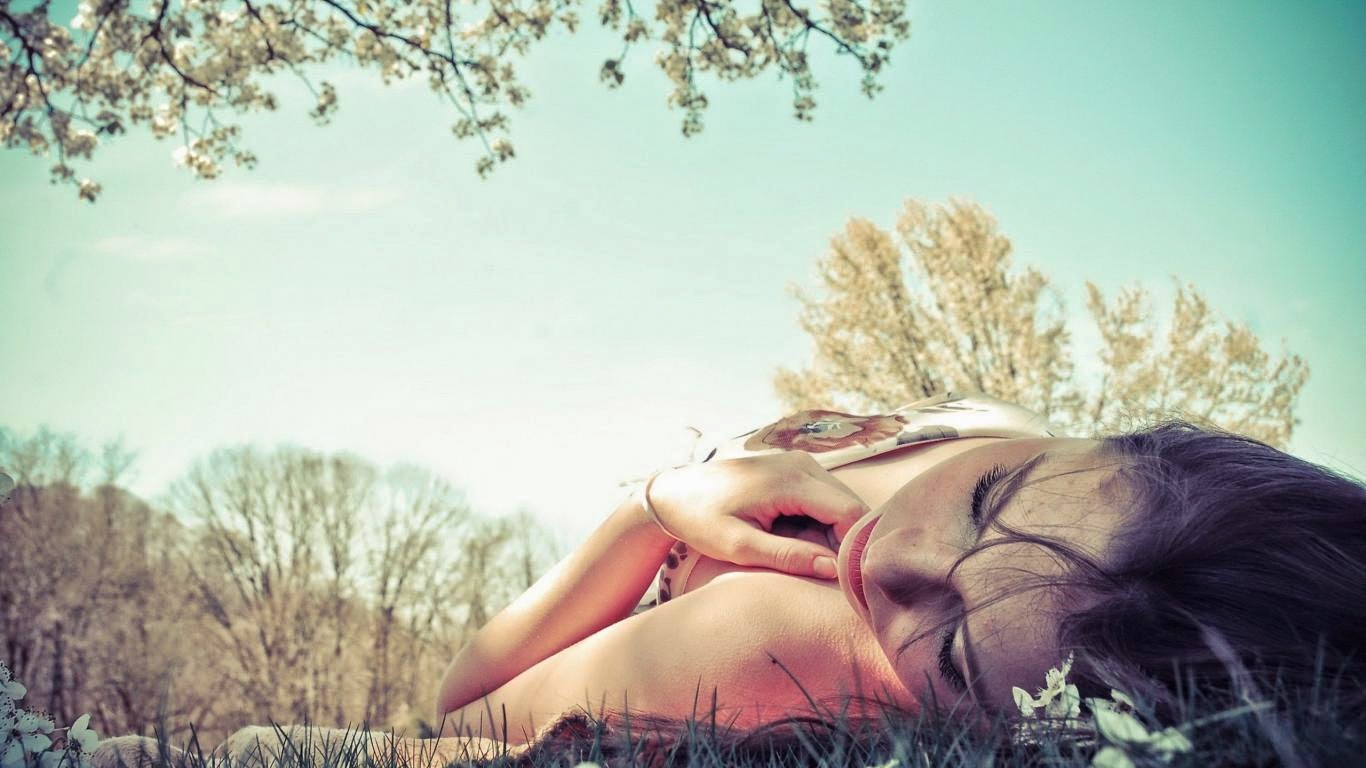 woman-laying-dream-girl-lying-down-grass-103392