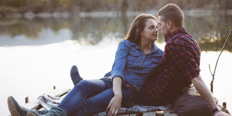 elitedaily-dejan-ristovski-couple-by-lake-800x400