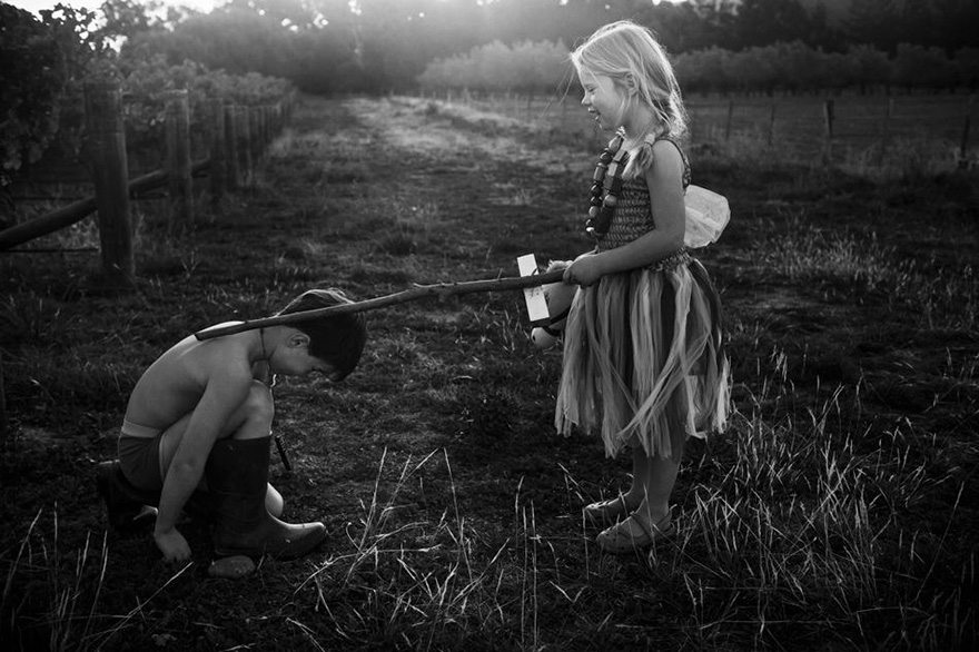 raw-childhood-without-electronic-devices-niki-boon-new-zealand-45