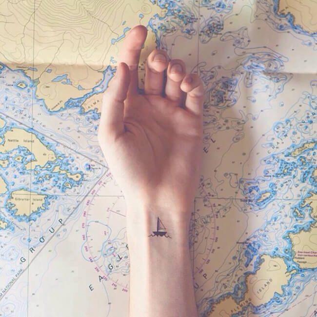 small-minimalist-tattoo-ideas-inspiration-32__605