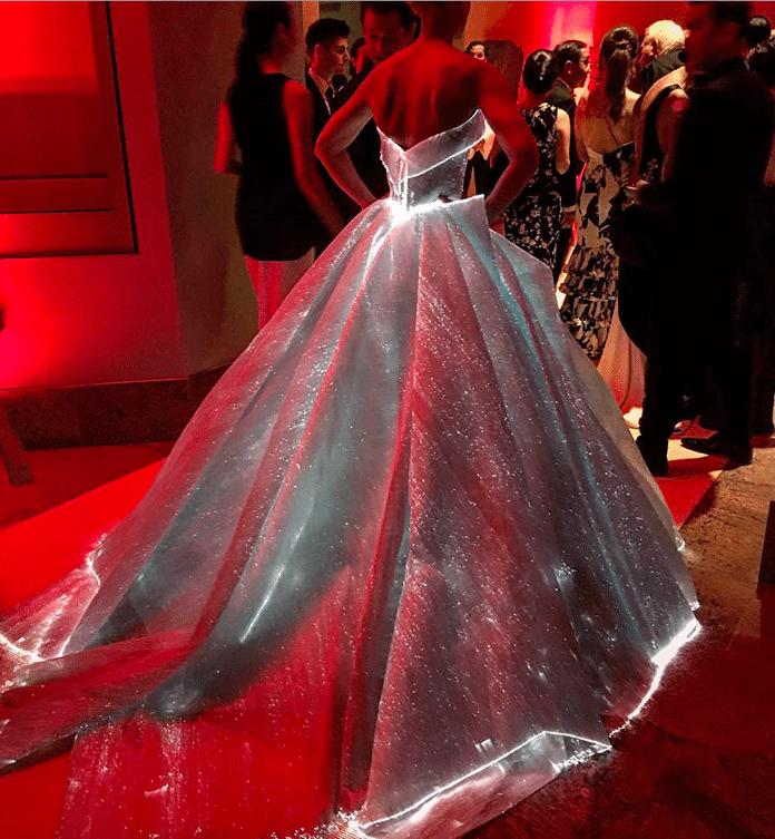 6b97fb8bfb1d Najkrajšie šaty sveta  Keď na galavečeri zhasli svetlá