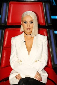 Christina-Aguilera-Platinum-Blonde-Hair