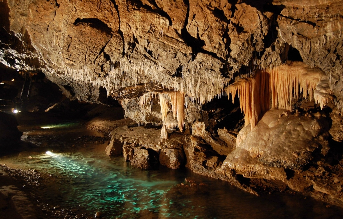 1358865012_demanovska-cave-of-liberty-02
