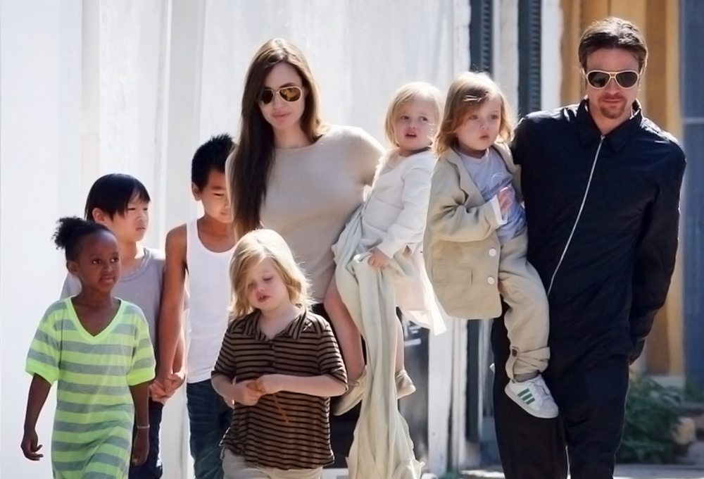 March 19, 2011: Angelina Jolie, Brad Pitt, Maddox , Zahara, Shiloh, Pax and twins Knox and Vivienne pictured in New Orleans. Angelina and the family recently arrived in New Orleans to be with brad who is in the middle of filming his latest movie project 'Cogan's Trade' on location in New Orleans, Louisiania. Credit: Swarbrick/Watts/INFphoto.com Ref.: infusny-169/uspa-06|sp|