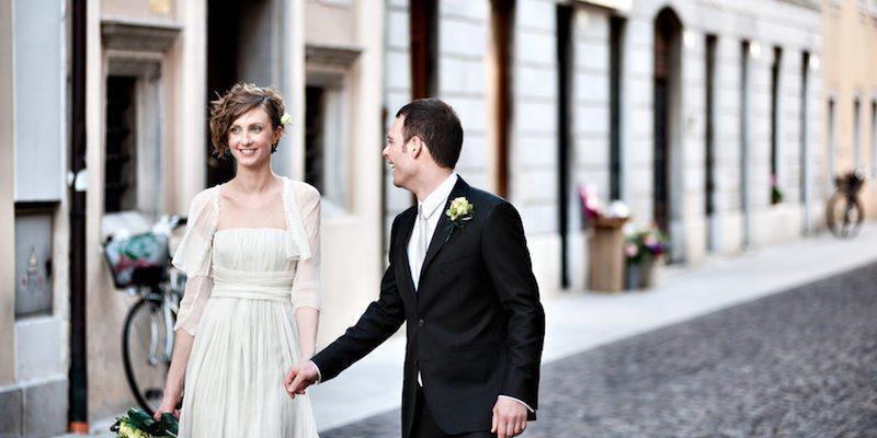 couples-wedding-cash