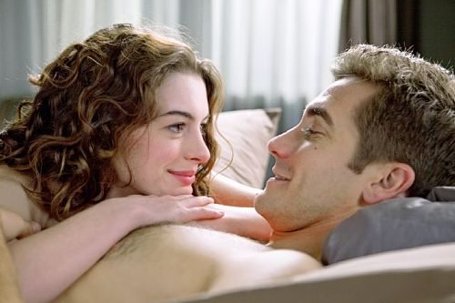 03-29-43_anne-hathaway-and-jake-gyllenhaal_original