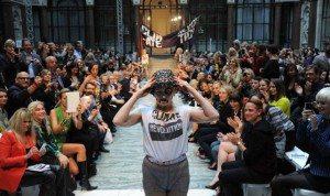 vivenne-westwood-julian-assange-london-fashion-week-642-380