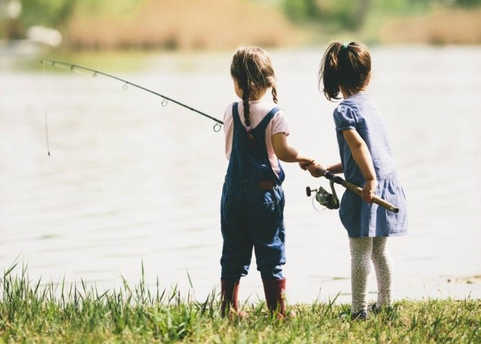 friends-fishing