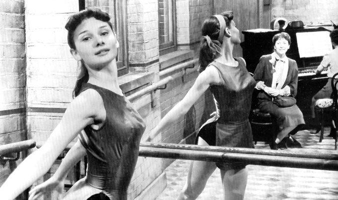 869760-young-audrey-hepburn-ballet-dancing