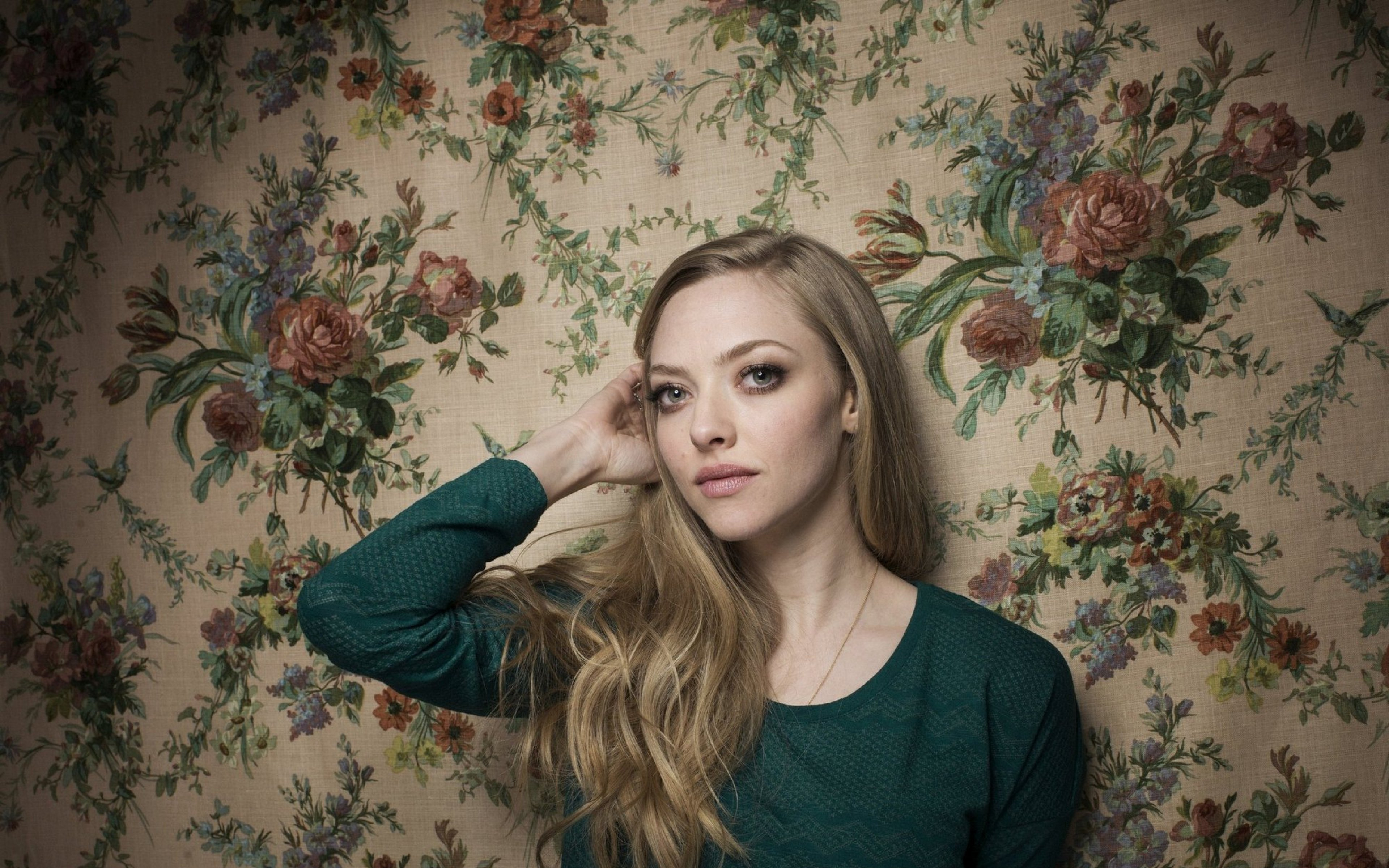 amanda_seyfried_actress_celebrity_blonde_102317_3840x2400