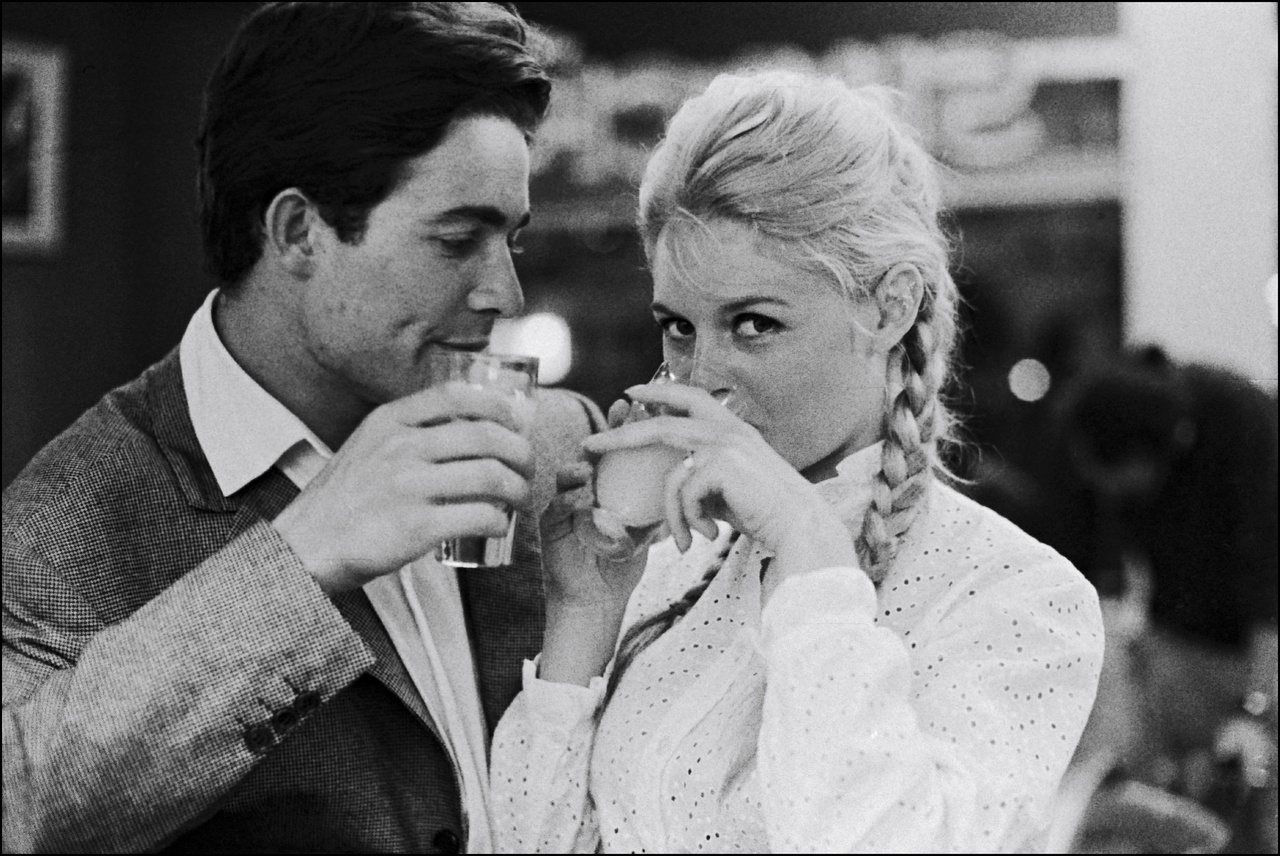 (stills 43882n) Brigitte Bardot with Jacques Charrier