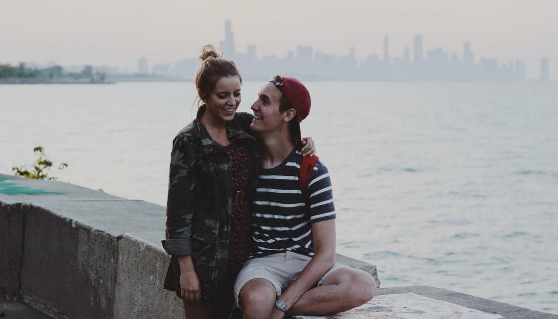 couple-love-water-summer
