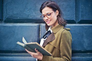 Tipy na knihy, ktoré sa určite stanú tvojimi srdcovkami
